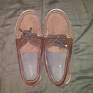 Boys sz 1y Old navy shoes